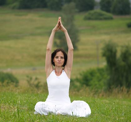 Živana Stupková - jógová pozice v lotosovém květu